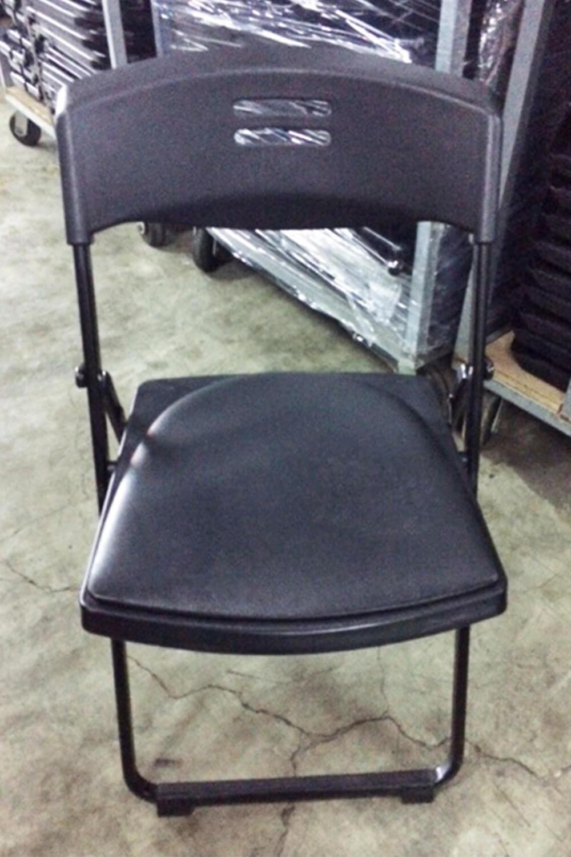 黑色摺疊椅 (有軟墊)
